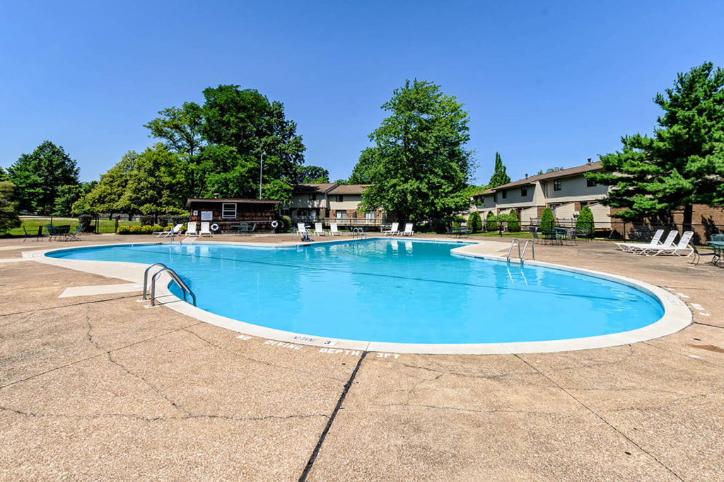 Outdoor Swimming Pool | Willowood