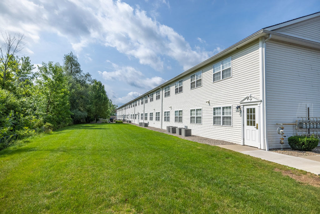 Rear Building Exterior | The Park at Hickory Commons